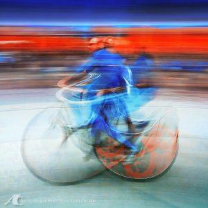 Radfahrer / Langzeitbelichtung Studie
