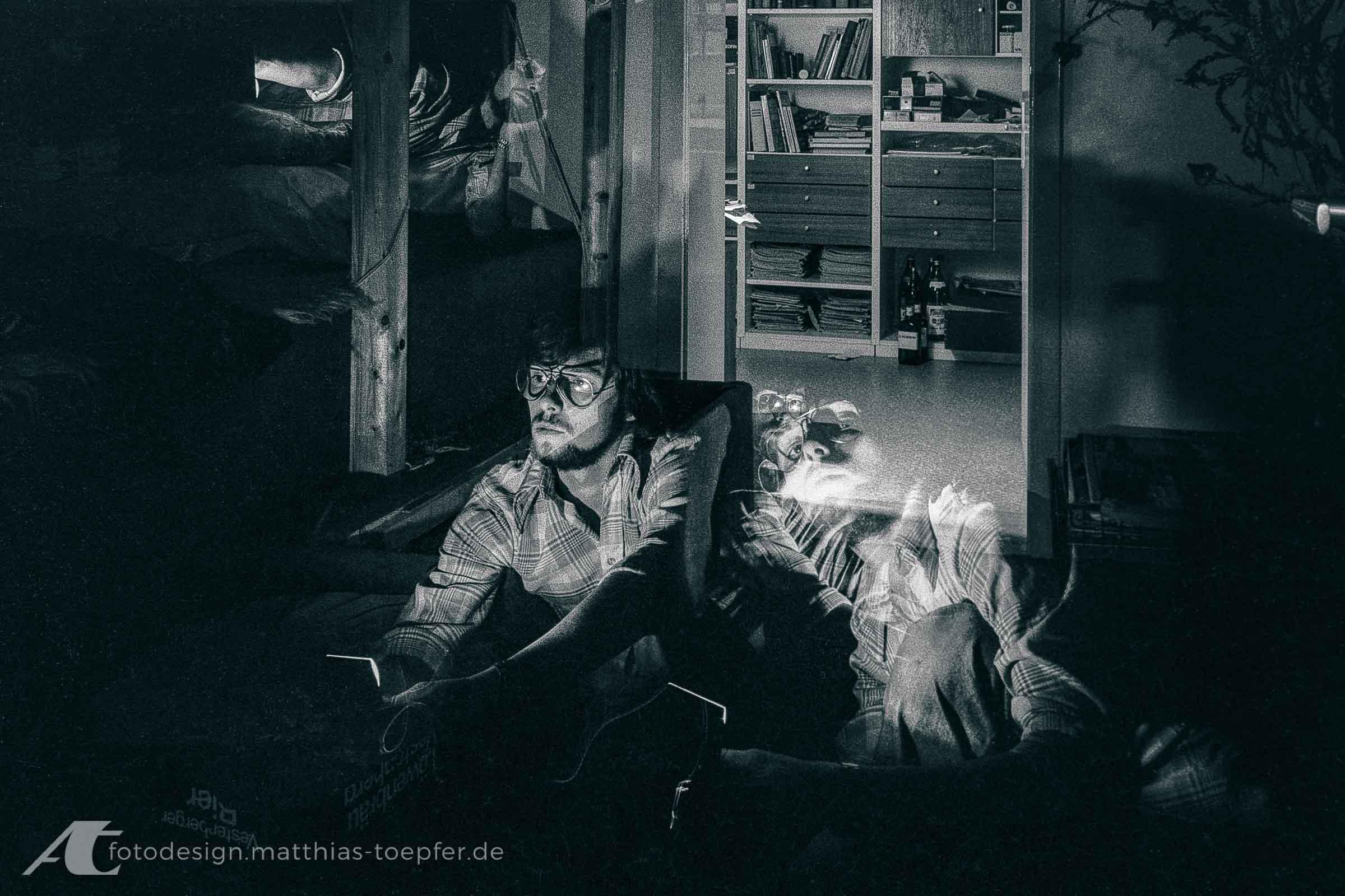 Matthias Töpfer 1973 experimentiert mit einem Blitzgerät