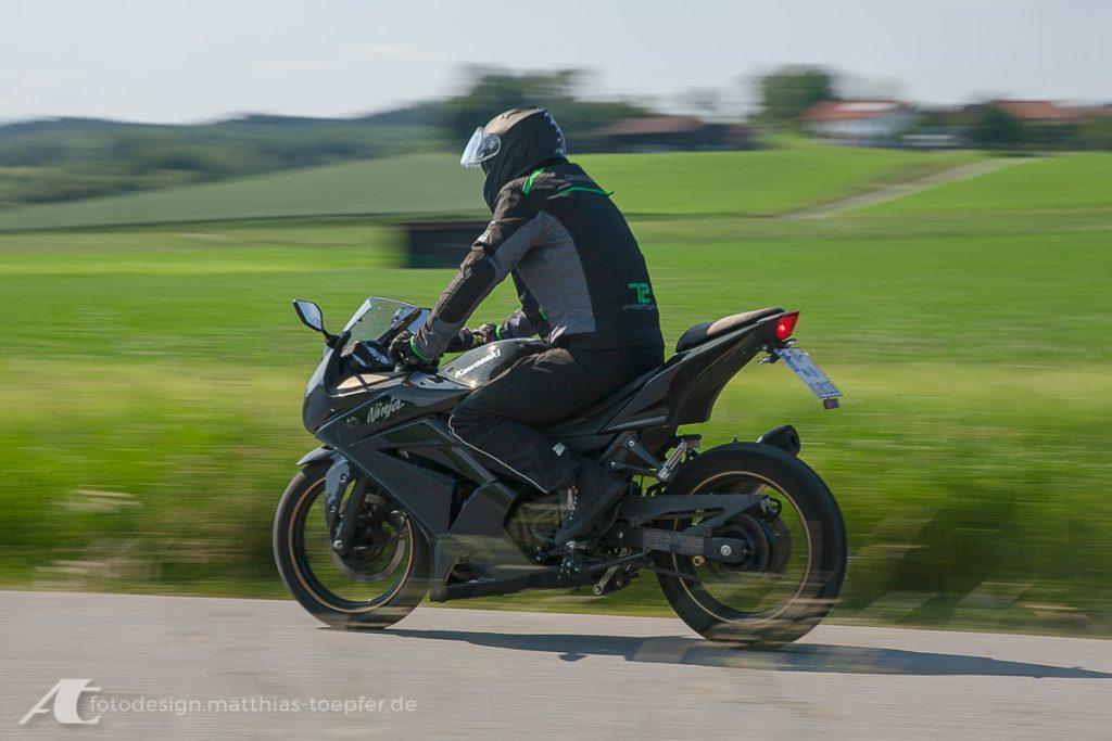 Motorrad Training Bremsen/ EOS 5D Mark II / 82mm / f/8,0 / 1/40Sek.